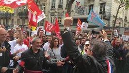 Mélenchon Meets Anti-Reform Protesters in Central Paris