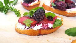 Appetizer Recipe- Roasted Berry Crostini