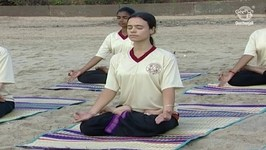 Yoga Exercise to Relax the Mind - Padmasana - Lotus Pose
