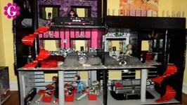 Monster High Doll School House Skull Academy Tour