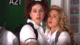 S02 E10 - Spring Rolls (October) - Go Girls