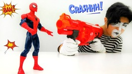 Funny Clown and Amazing Spiderman Crazy Clown Toy Guns and Superhero Toy Spiderman
