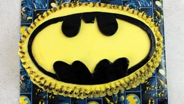 Batman - Bat Symbol Cake (How To)