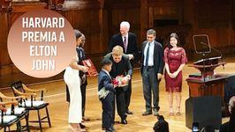 Harvard premia a Elton John por su labor contra el sida