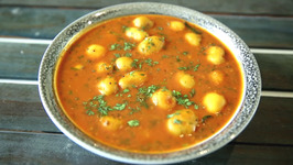 Batata Tomato Rassa Recipe In Marathi - Potato Curry Recipe - Smita