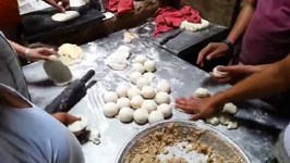 Famous Street Foods Of India - Kulcha Land - Amritsar