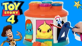 Toy Story 4 SPINNING LOCK AND KEY GAME (Bunny vs Ducky) Win Surprise Toys