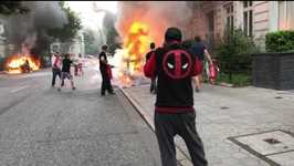 G20 Protesters Set Cars on Fire Along Hamburg's Elbchaussee Thoroughfare