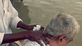 Most Painful Massage at the Banks of the Ganges - Neck And Shoulder Massage Therapy to Reduce Tension