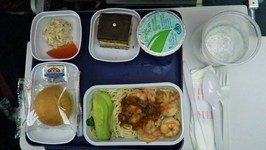 36 hrs on China Eastern Airlines - FOOD REVIEW - Honolulu to Shanghai Part 1