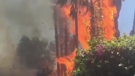 LA Firefighters Respond to Silver Lake Blaze