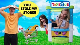 Silly Workers Ruin Pretend Toys R Us !!!