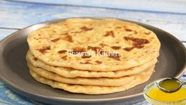 Puran Poli / Vermi / Indian Sweet Flatbread Stuffed With Sweet Lentil