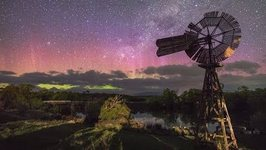 Southern Lights Spread and Shimmer Over Tasmanian Skies