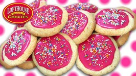 Lofthouse Frosted Sugar Cookies / Homemade Recipe