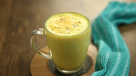 Turmeric Latte - How To Make Turmeric Milk - Golden Drink Recipe - Haldi Doodh - Varun