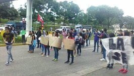 Student Protesters Block Streets in Caracas