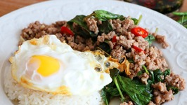 SPICY Thai Basil Pork Stir-Fry /Pad Kra Pao Moo