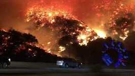 Santa Ana Winds Fuel Skirball Fire, Homes Destroyed Near Bel-Air