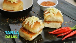 Cheesy Peri Peri Stuffed Pav