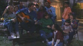 S03 E24 - Scenes from a Barbecue - Roseanne