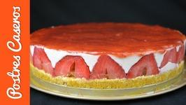 Tarta cuajada de yogur y fresas