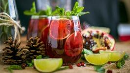 Winter Pomegranate Mojito Cocktail W/ Venezuelan Rum - Christmas Drinks Ideas
