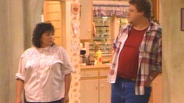 S07 E25 - Couch Potatoes - Roseanne