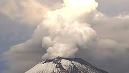 Striking Video Shows Mexico's Popocatepetl Volcano's Early Morning Eruption