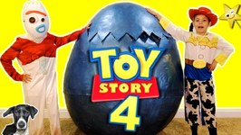 Toy Story 4 GIANT HATCHING SURPRISE EGG Transforms Kids into Forky & Jessie  Surprise Toys
