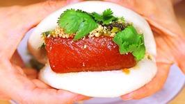 Must Eat Gua Bao -Taiwanese Pork Belly Buns