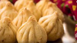 Fried Modak / How To Make Talniche Modaks For Ganesh Chaturthi Without Mold