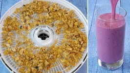 How to Make Fermented Granola And Kefir Berry Smoothie