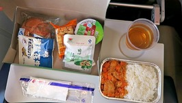 36 hrs on China Eastern Airlines - FOOD REVIEW - PVG to BKK to KMG to KTM Part 2