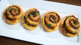 Keema Roll - Ramzan Special - Mutton Recipe - Recipe In Marathi By Sonali