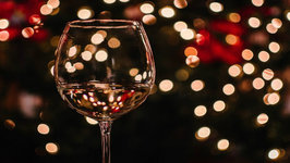 Here's What The Wine Pros Are Drinking On Christmas Day