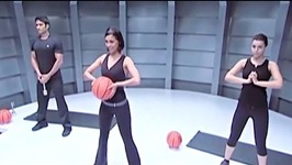 Power Play Warm Up with Lara Dutta