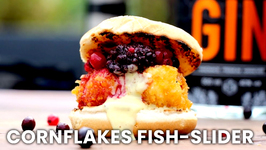 Cornflakes Fish-Slider With Gin-Berries