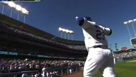 Dodgers' Adrian Gonzalez Mimics Mickey Mouse Ears After Home Run