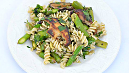 Brown Rice Pasta with Asparagus Shiitakes Pesto