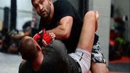 MMA Tips - Striking Combinations with Andrei Arlovski