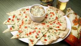 Hot Spinach and Artichoke Dip with Valley Lahvosh Crackerbread