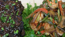 SmokingPit.com - Sesame Soy Beef with Shrimp Stir Fry - Wok Cooking and Grilling on the Scottsdale