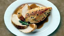Wegmans Pan-Seared Chicken with Apple Maple Gravy