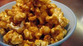 Vegan Caramel Corn