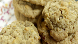 Apple Crisp Oatmeal Cookies