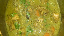Moms Creamy Kaju Chicken Curry