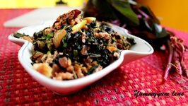 Cheera Thoran (Spinach Stir Fry with Grated Coconut)