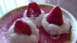 Whole Strawberry Mochi