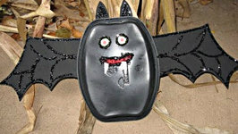 Kids Recycling Bat Craft Halloween